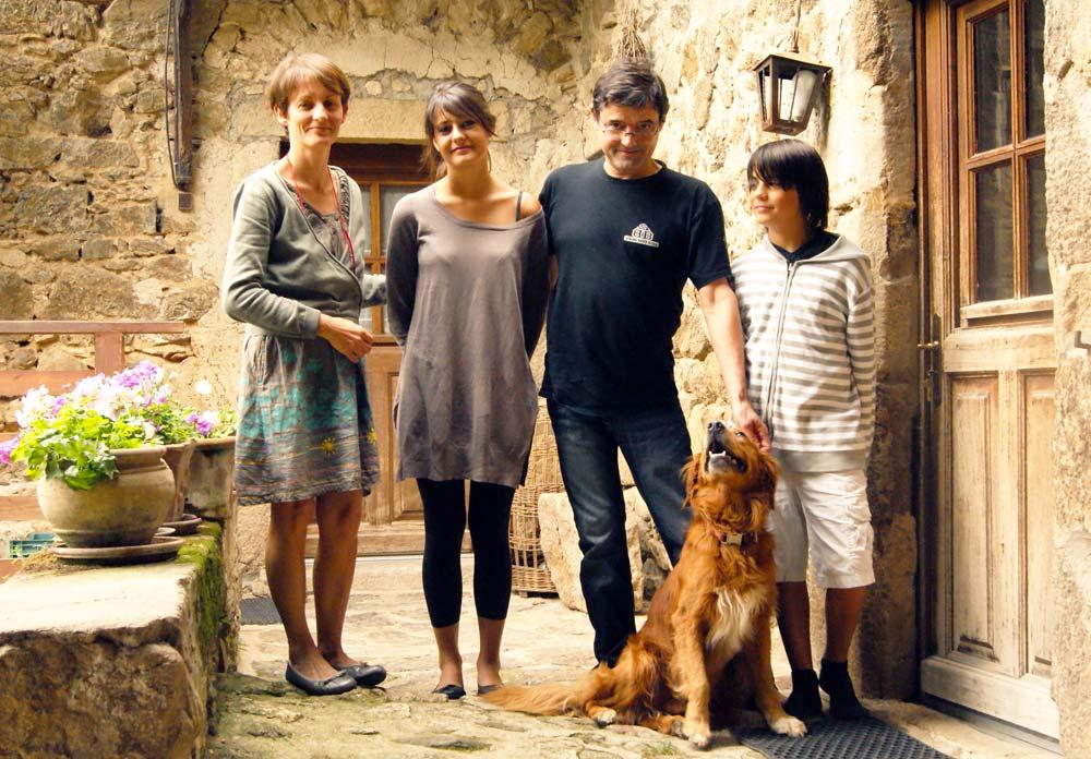 Vos hôtes: Isabelle, Eric et leurs enfants